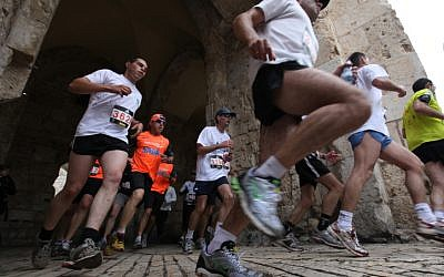 Runners in the Jerusalem marathon on March 25, 2011. (Kobi Gideon/Flash 90)