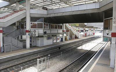 Rail workers are seeking permission to strike (photo credit: Roni Schutzer/Flash90)