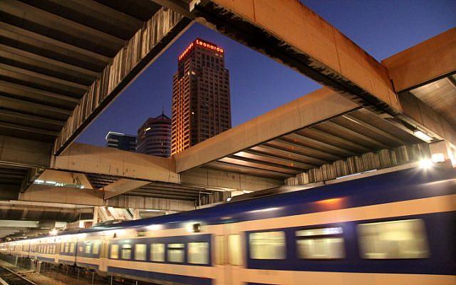 Illustrative photo of Savidor Center Train Station on Arlozorov Street in Tel Aviv. (Moshe Shai/Flash90)