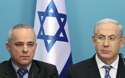 Finance Minister Yuval Steinitz (left) with Prime Minister Benjamin Netanyahu (photo credit: Miriam Alster/Flash90)