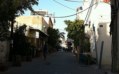 A quiet street in Kerem Hateimanim (photo credit: Michal Shmulovich/Times of Israel)