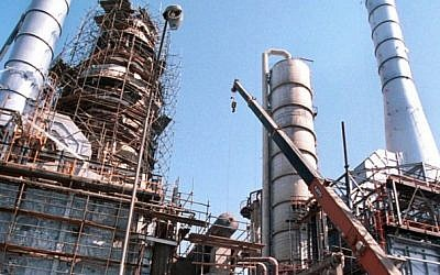 An oil refinery in Tehran. (photo credit: AP/file)