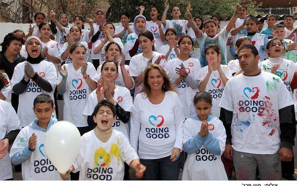 Shari Arison participating in 2011's International Good Deeds Day. (Photo credit: Sivan Farag)