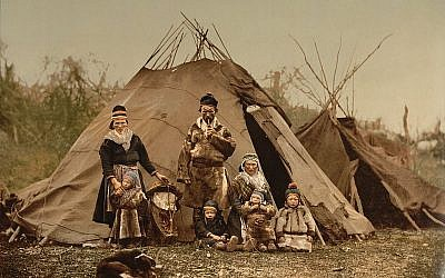 A traditional Sami family in 1900 (photo credit: public domain/US Library of Congress)
