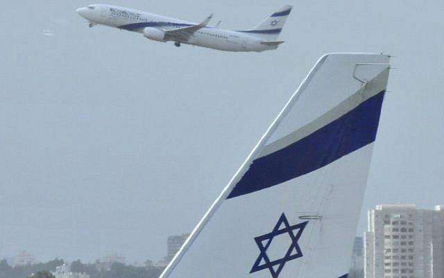 El Al plane at Ben-Gurion Airport 2012 (Serge Attal/Flash90)