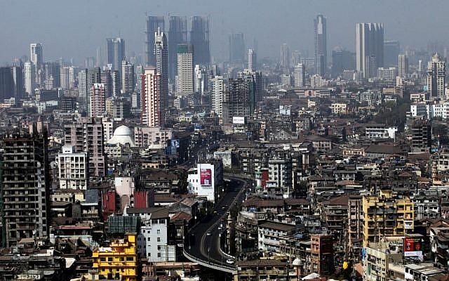 Bird's-eye view of Mumbai (photo credit: Abir Sultan/Flash90)