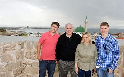 The Netanyahu family visiting the northern town of Acre. Yair is on the far right (photo credit: Avi Ohayon/GPO/Flash90)