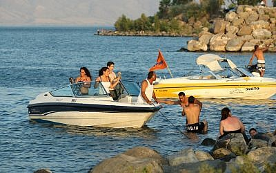 Israelis enjoy the Sea of Galilee. (photo credit: Moshe Shai/Flash90)