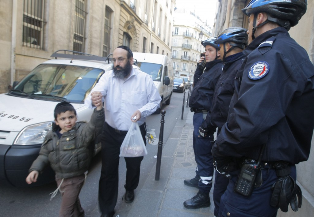 Картинки по запросу jews paris