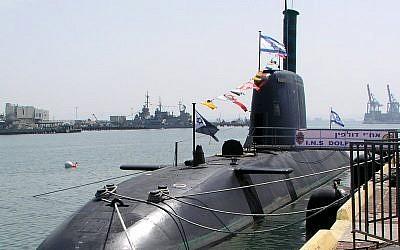 An Israeli Dolphin-class submarine at port. (CC BY/shlomiliss/Wikimedia)