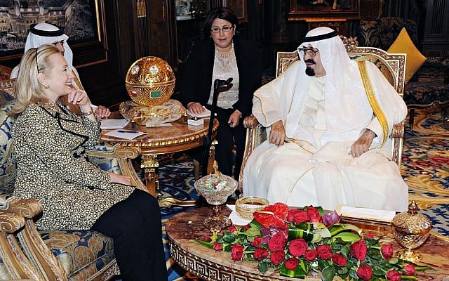 File photo of King Abdullah of Saudi Arabia, right, in a meeting with US Secretary of State Hillary Clinton. (AP Photo)