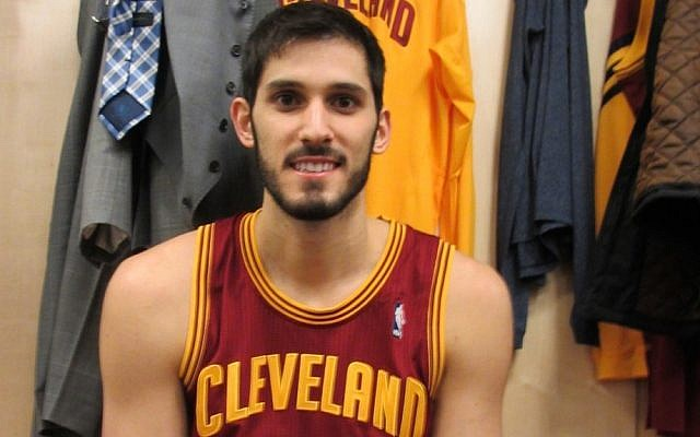 Omri Casspi (photo credit: Howard Blas/Times of Israel)