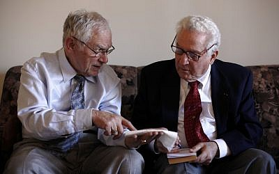 Dachau survivor Ernie Gross (L) and Dachau liberator Don Greenbaum recount their experiences. (photo credit: AP/Matt Rourke)