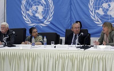 Judge Richard Goldstone (second from right) and Christine Chinkin (right) at public hearings in 2009 about alleged Israeli violations committed during Operation Cast Lead. (UN/Flash 90)