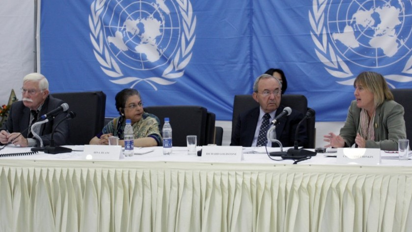 Judge Richard Goldstone (second from right) at public hearings in 2009 about alleged Israeli violations committed during Operation Cast Lead (photo credit: UN/Flash 90)