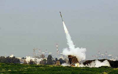An Iron Dome battery shooting a missile interceptor near Ashdod. (Flash90)