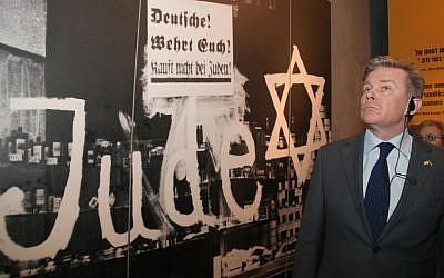 Lithuanian Foreign Minister Audronius Azubalis visited Yad Vashem last month (photo credit: Isaac Harari/Flash90)