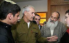 Maj. Gen. Avi Mizrahi (center) at the Neveh Shmuel Yeshiva in Efrat (photo credit: Gershon Elinson/Flash90)