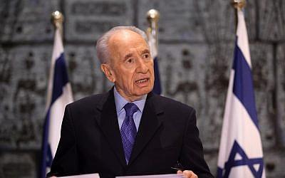 Second thoughts? Shimon Peres (photo credit: Kobi Gideon/Flash90)