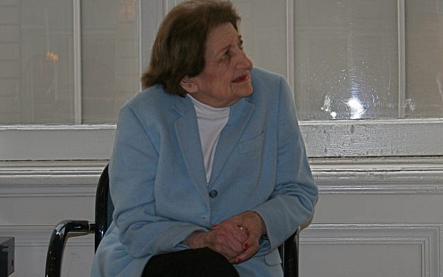 White House press corps doyenne Helen Thomas (photo credit: CC BY-SA rachaelvoorhees, flickr)