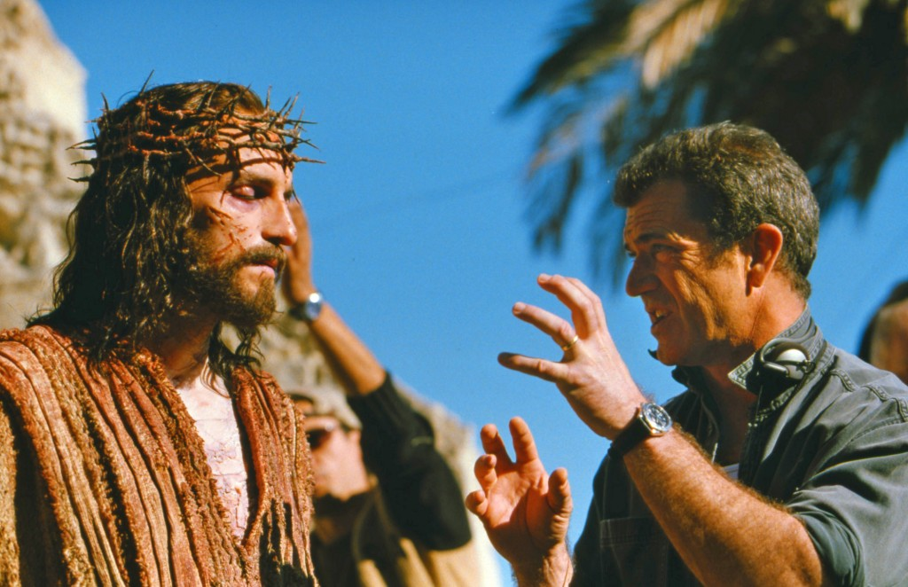 """Mel Gibson, right, directs Jim Caviezel on the set of Gibson's movie """"The Passion of The Christ"""" in 2003 (photo credit: AP/Icon Productions, File)"""
