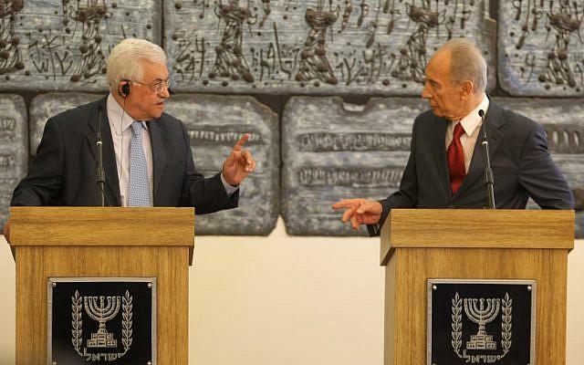 President Shimon Peres and Palestinian Authority Chairman and Fatah leader Mahmoud Abbas meet in 2008 (photo credit: Kobi Gideon/Flash 90)