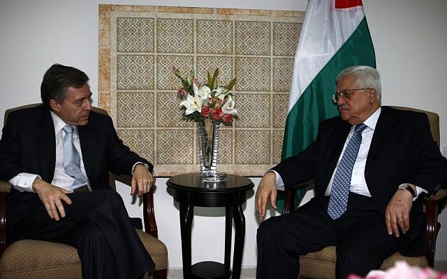 Mahmoud Abbas (right) and Yossi Beilin meet in Ramallah, August 2008 (photo credit: Omar Rashidi/FLASH90)