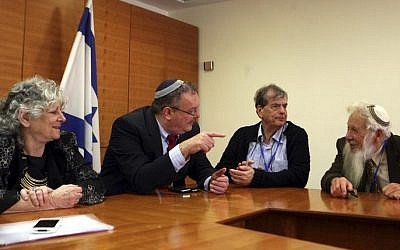 Former Minister of Science and Technology Daniel Hershkowitz (second from left), in an unusual meeting with the Israeli scientists who won a Nobel Prize in the last decade. The participants in the meeting were Professor Aaron Ciechanover, Professor Israel Aumann (right), Professor Ada Yonath and Professor Peretz Levi (not seen). (photo credit: Gil Yohanan/Flash90)