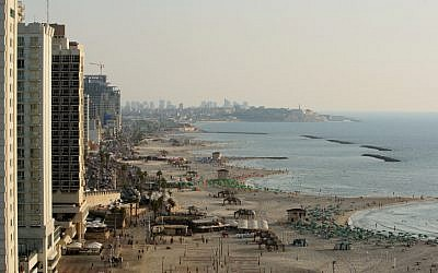 A view of the Tel Aviv beach and boardwalk (photo credit: Moshe Shai/Flash90)