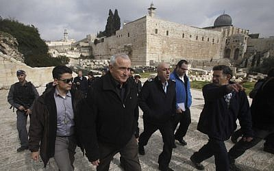 Internal Security Minister Yitzhak Aharonovitch flanked by security guards in Jerusalem (photo credit: Uri Lenz/Flash90)