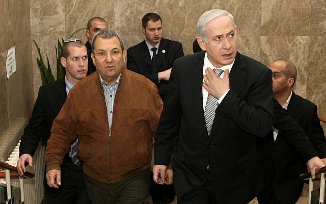 Defense Minister Ehud Barak, left, and Prime Minister Benjamin Netanyahu, April 2012 (photo credit: Kobi Gideon/Flash90)