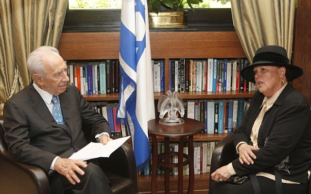 Esther Pollard, Jonathan Pollard's wife, meets with President Shimon Peres at his residence, on Sunday. (photo credit: Uri Lenz/Flash90)