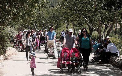 Tourists visit Jerusalem's Biblical Zoo during the Passover holiday Tuesday (photo credit: Kobi Gideon/Flash90)