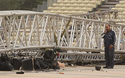 The collapsed lighting rig at Mount Herzl (photo credit: Nati Shohat/Flash90)