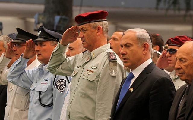 IDF Chief of the General Staff Maj. Gen. Benny Gantz, center, participates in a Memorial Day Ceremony, April 25, 2012. (photo credit: Marc Israel Sellem/Flash90)