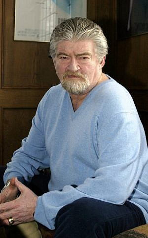 Screenwriter Joe Eszterhas in a 2004 file photo. (photo credit: AP Photo/Ron Schwane,File)