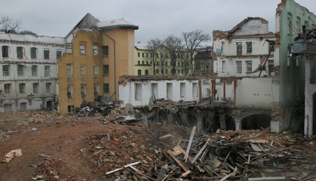 The lower part of the Schindler factory next to a demolished 19th-century building. (Eva Munk/JTA)