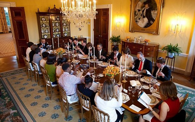 President Obama hosting a Passover seder at the White House in 2012 (photo credit: Pete Souza/The White House)