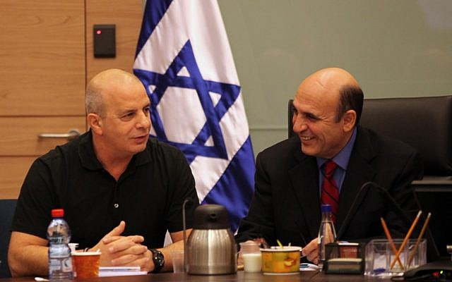 Shaul Mofaz (R) and Yuval Diskin during a session of the Knesset Foreign Affairs and Defense Committee in January,  2011 (photo credit: Yossi Zamir/Flash90)