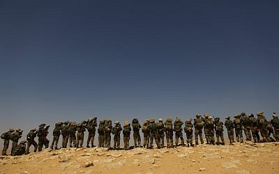 Infantry soldiers of the Givati brigade train in the Negev desert in 2011 (photo credit: Tsafrir Abayov/Flash90)