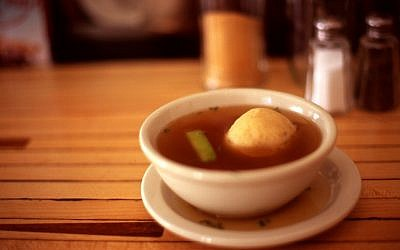 Who doesn't like a bowl of matza ball soup? (Or Hiltch/CC BY)