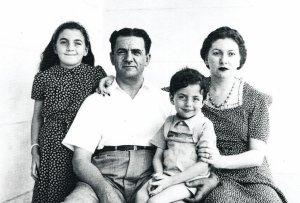 The Bigio family in Egypt. (Photo credit: Public domain)