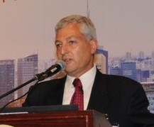 Shlomo Gradman speaks at ChipEx2012 (Photo credit: Courtesy)