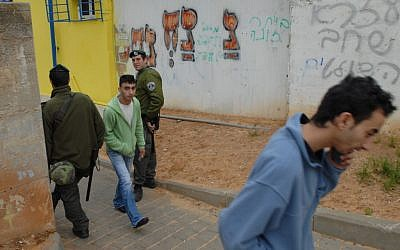 Border Police officers in south Tel Aviv in 2007. (photo credit: Gili Yaari/Flash90)