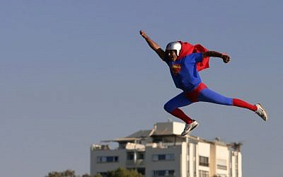 A 'Superman' takes flight in Tel Aviv. (photo credit: Boaz Oppenheim/File/Flash90)