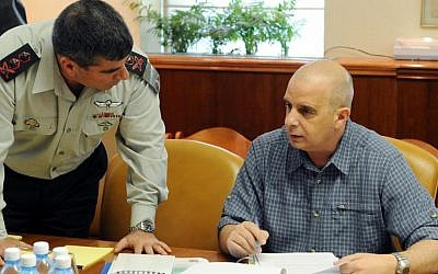 Ex-security chiefs speaking out. Then chief of staff Gabi Ashkenazi and Shin Bet chief Yuval Diskin, photographed in 2009. (photo credit: Moshe Milner/GPO/Flash 90)