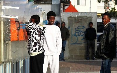 File: Illustrative photo of Sudanese and Eritrean asylum seekers in Tel Aviv (Nicky Kelvin/Flash90)