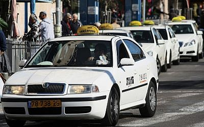 Illustrative: Line of taxis waiting for passengers (Kobi Gideon/Flash90)