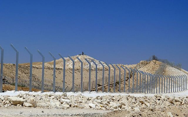 A new fence is being built between Israel and Egypt (photo credit: Yuval Nadal/Flash90)