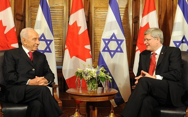 President Shimon Peres (left) with Canadian Prime Minister Stephen Harper (photo credit: Mark Neyman/GPO/Flash90)
